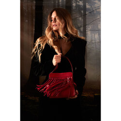 Magia Small leather shoulder bag with fringes, dark red